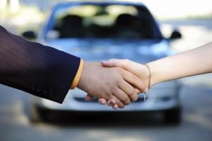 Autoverkauf Händeschütteln Auto