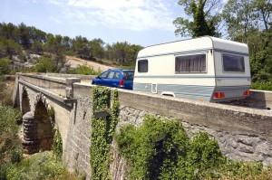 EU Fahrerlaubnis Wohnwagen Brücke