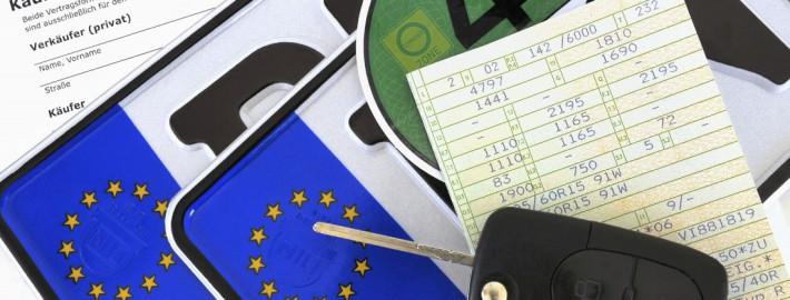 Feinstaubplakette grüne Plakette Kennzeichen Schlüssel
