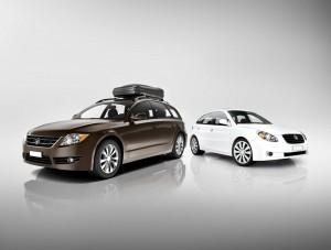 Geländewagen SUV zwei Autos