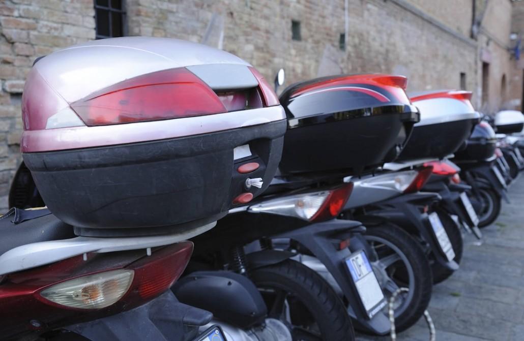 Das neue Motorrad Kennzeichen – Kurz, schmal & schick