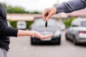 Autoverkauf Schlüsselübergabe