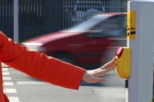 rote Ampel überfahren Fußgänger Ampeldrücker